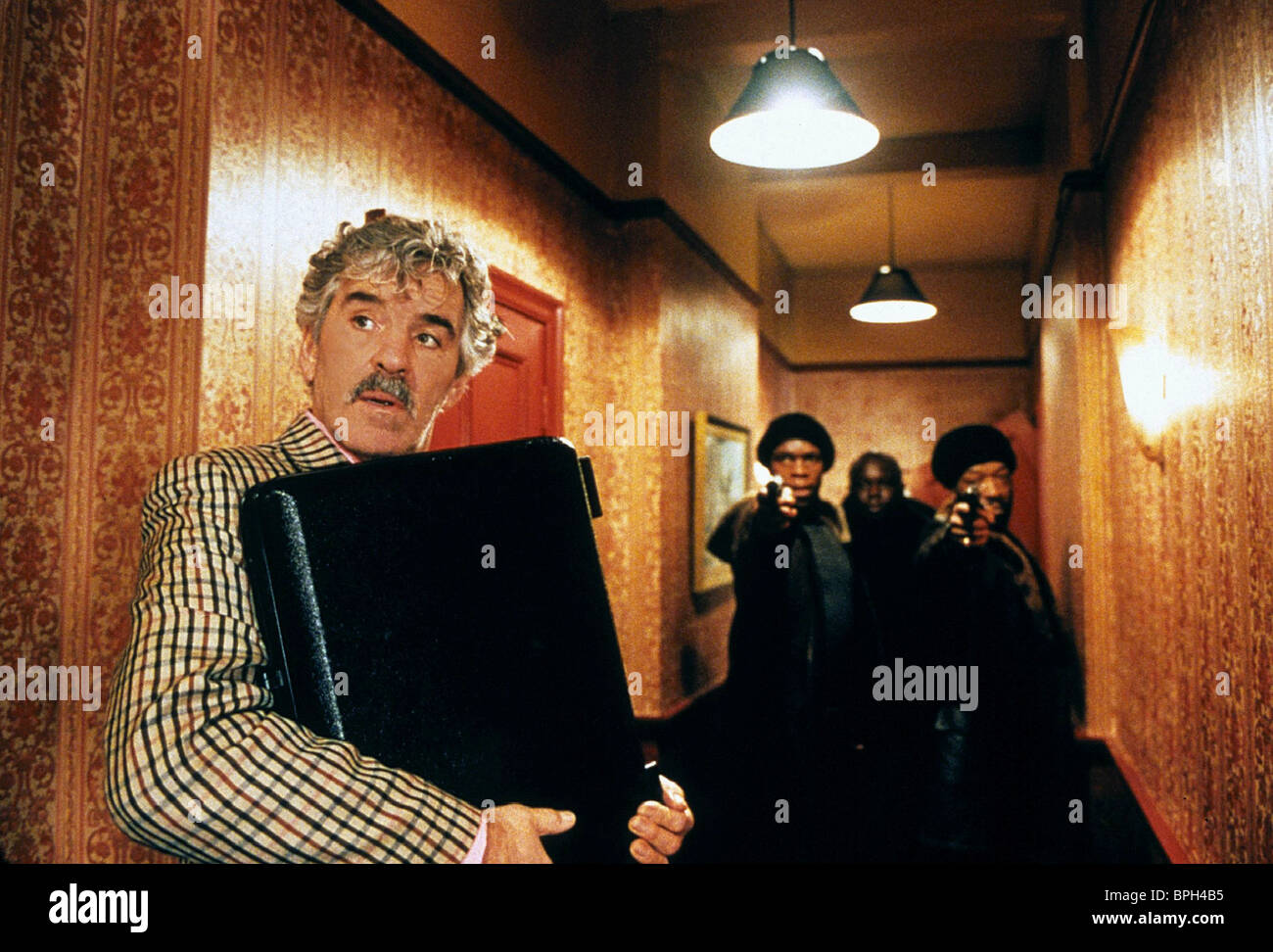 DENNIS FARINA JAMES ADE JAMES SNATCH (2000) - Stock Image