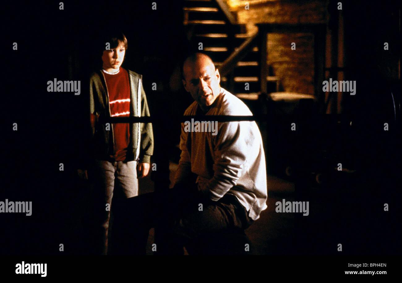 Spencer Treat Clark Bruce Willis Unbreakable 2000 Stock Photo Alamy