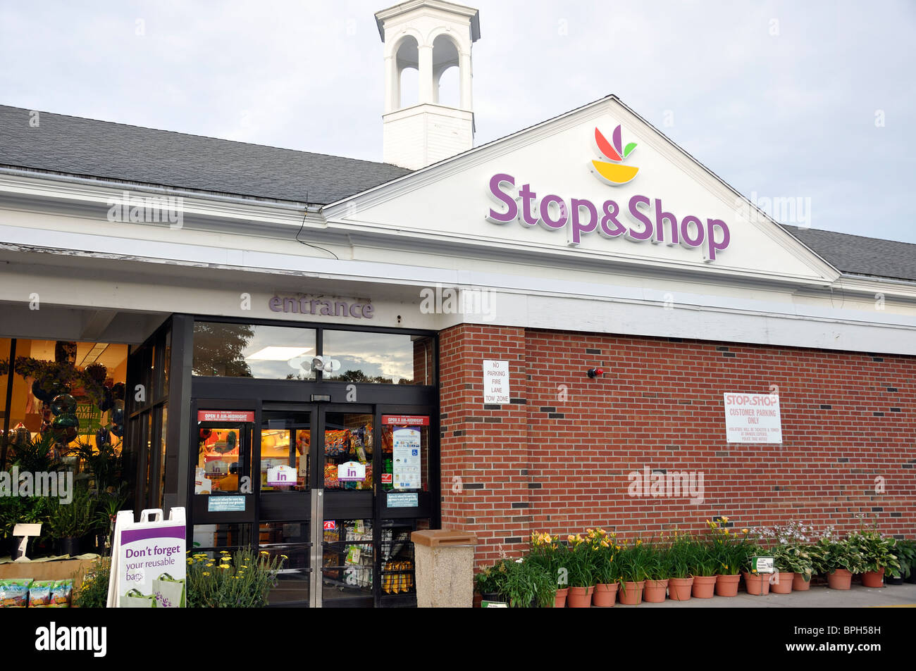 STOP AND SHOP USA