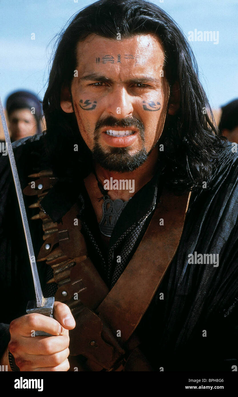 oded fehr the mummy 2 the mummy returns 2001 stock photo