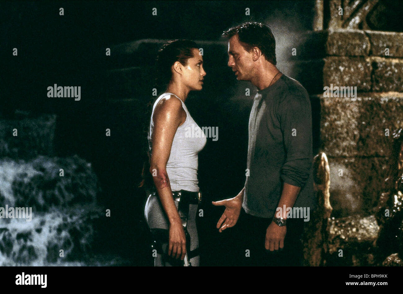 Angelina Jolie Daniel Craig Lara Croft Tomb Raider 2001 Stock Photo Alamy