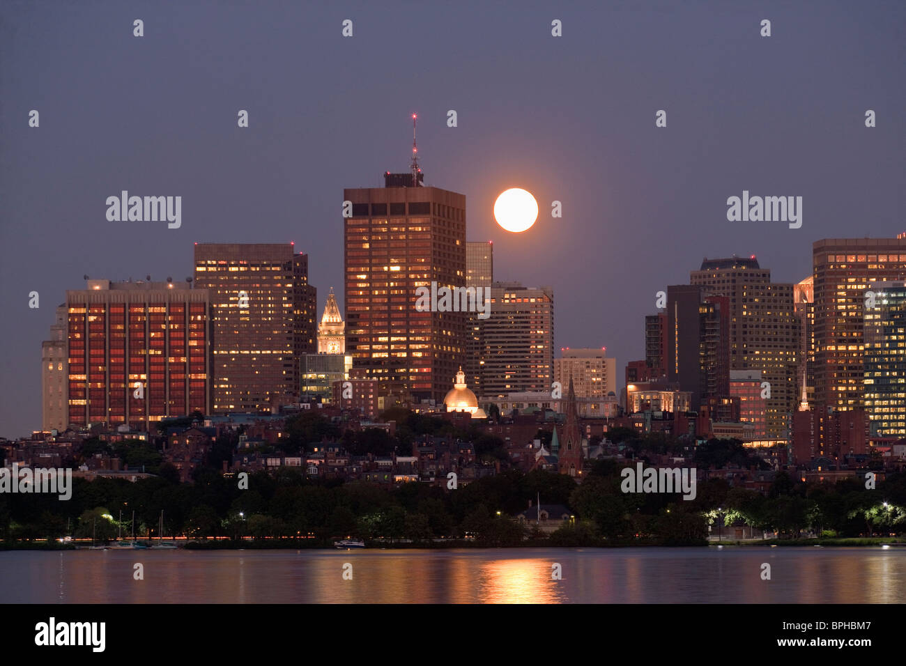 Full moon over city, Charles River, Beacon Hill, Boston, Suffolk County, Massachusetts, USA - Stock Image