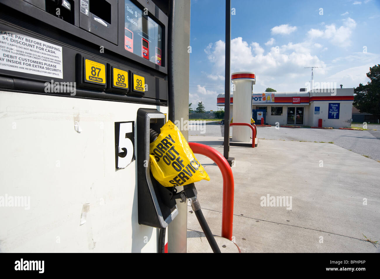 Gas Pump, Out Of Business Closed Petrol Gas Station, Delaware, USA ...