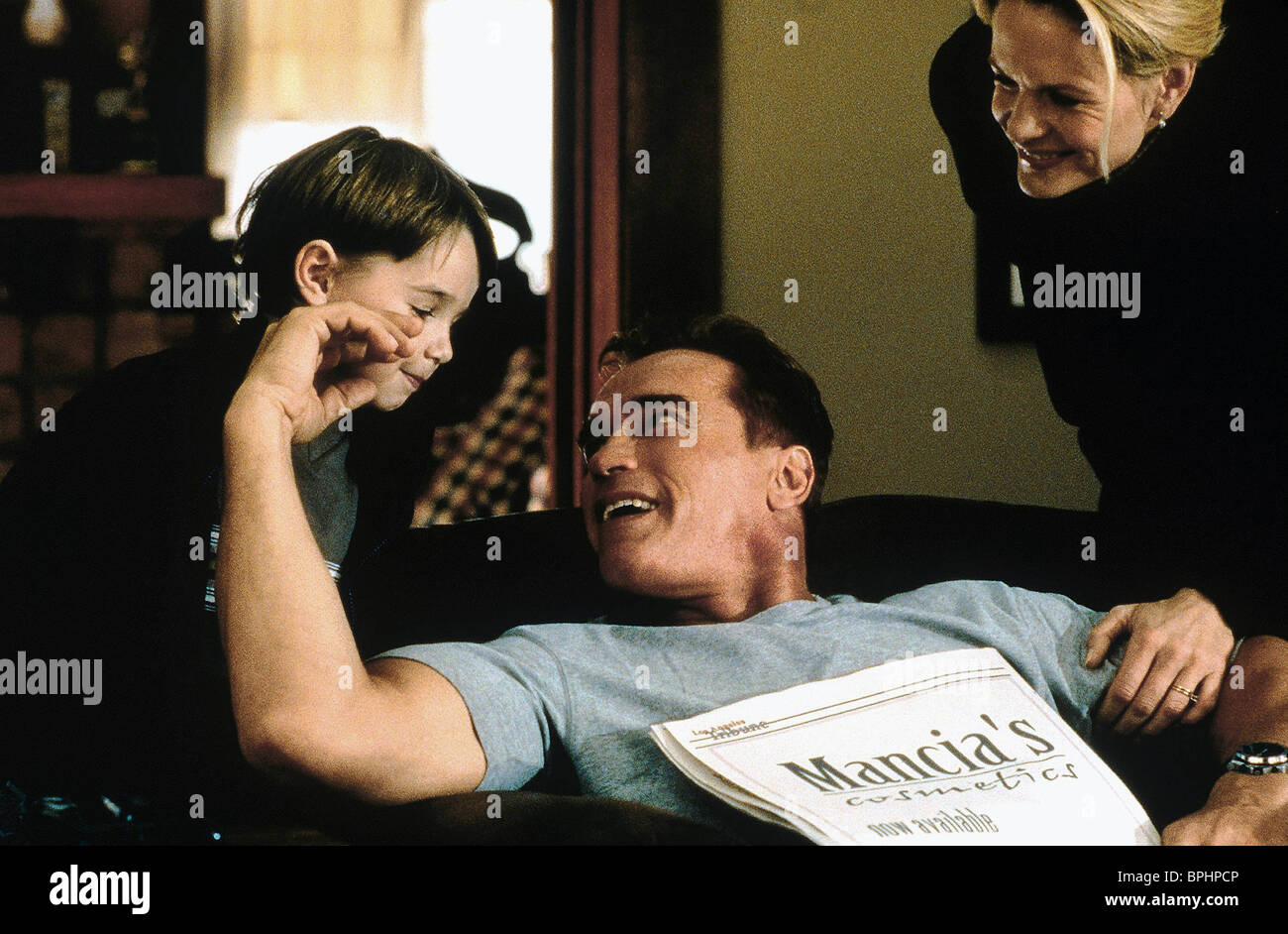TYLER POSEY ARNOLD SCHWARZENEGGER COLLATERAL DAMAGE (2002) - Stock Image
