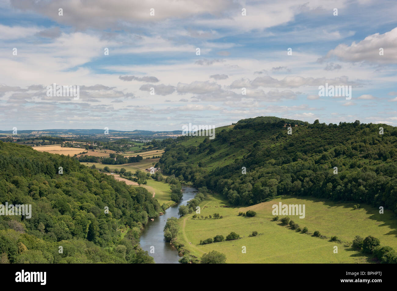 View of the river wye, from Symons Yat rock, in the wye valley, Forest of Dean - Stock Image