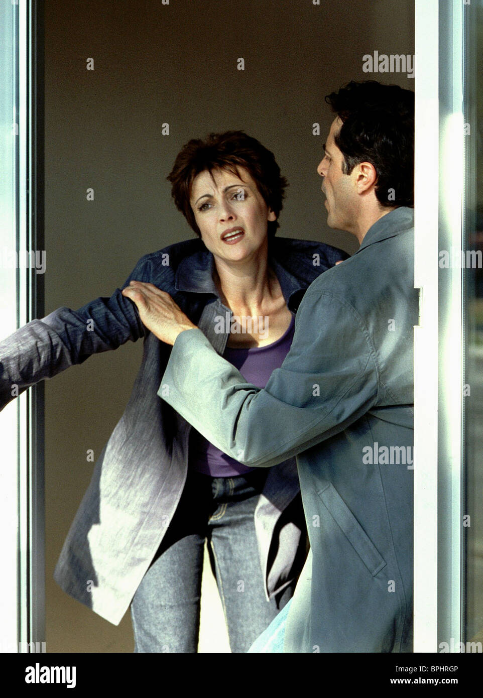 EMMA SAMMS PRETEND YOU DON'T SEE HER (2002) - Stock Image