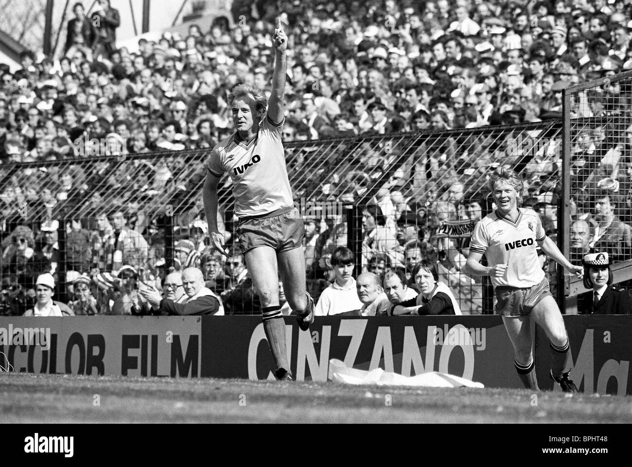 WATFORD V PLYMOUTH ARGYLE 14/4/1984 FA Cup semi final George Riley celebrates his goal watched by Maurice 'Mo' - Stock Image