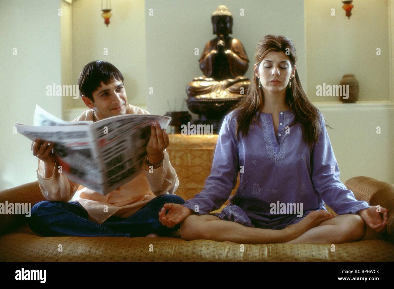 JIMI MISTRY & MARISA TOMEI THE GURU (2002) - Stock Image