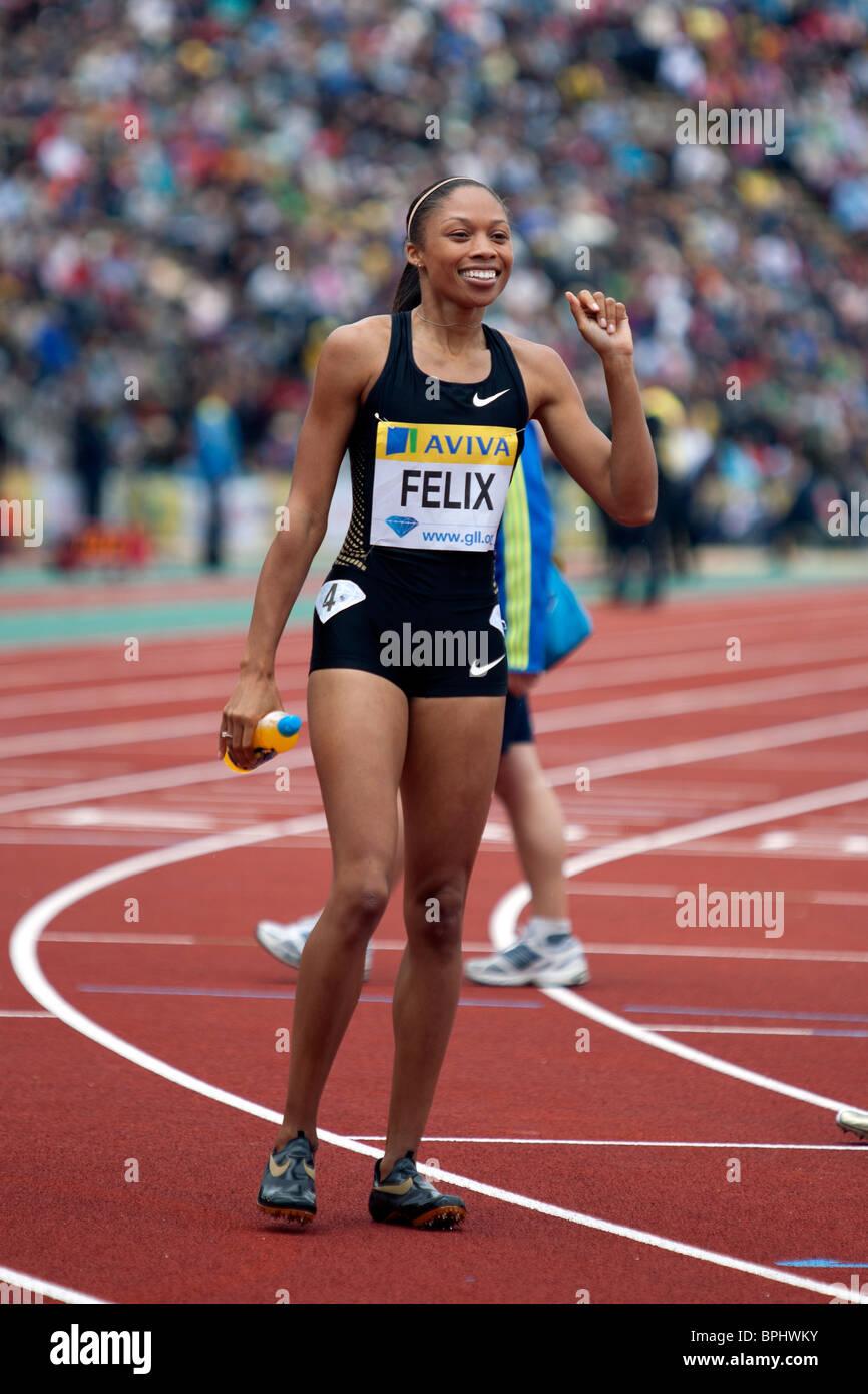 Allyson FELIX winning the 400m women's race at Aviva London Grand Prix, Crystal Palace, London. 2010. - Stock Image