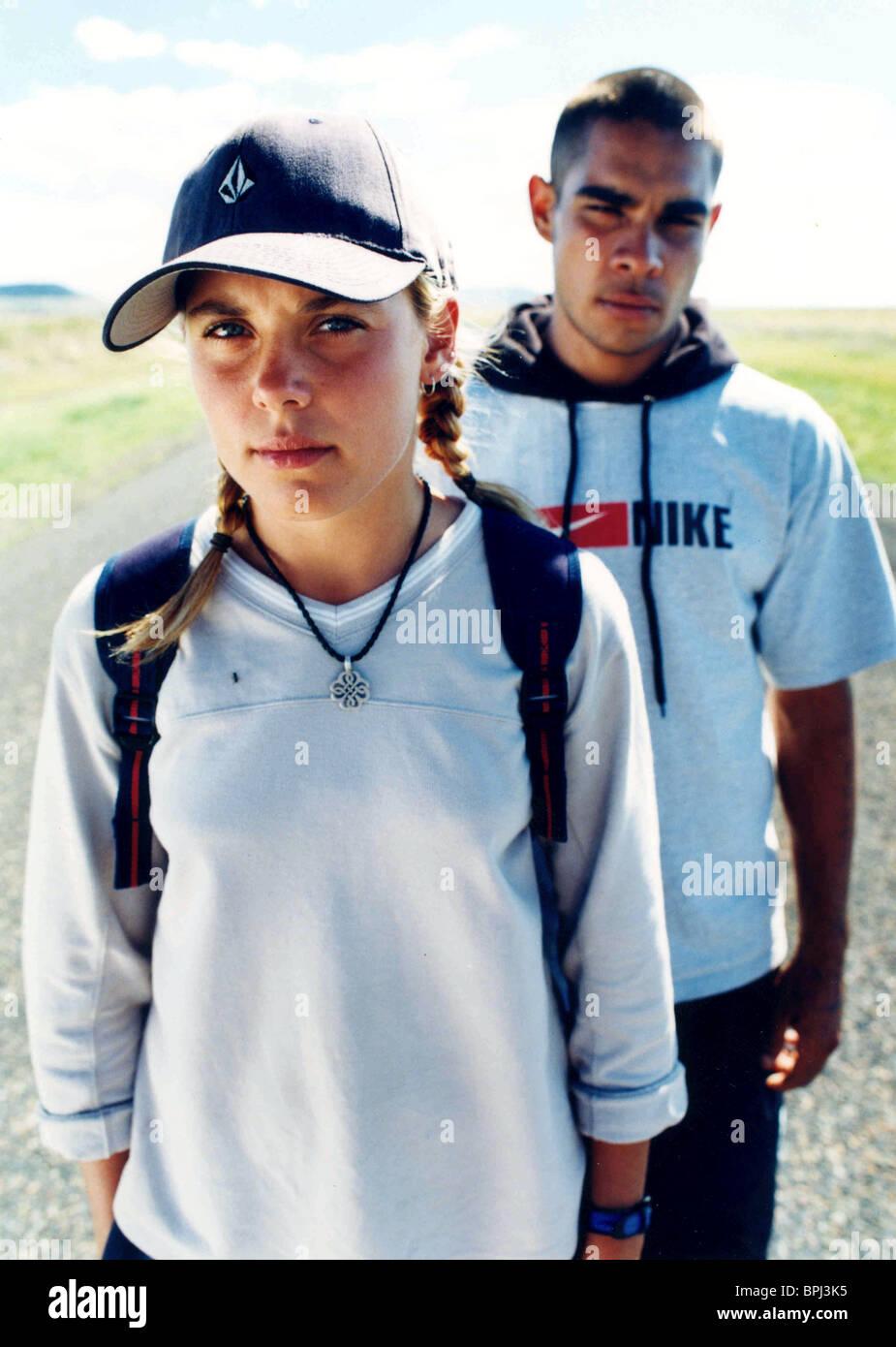 DANNIELLE HALL & DAMIAN PITT BENEATH CLOUDS (2002) - Stock Image