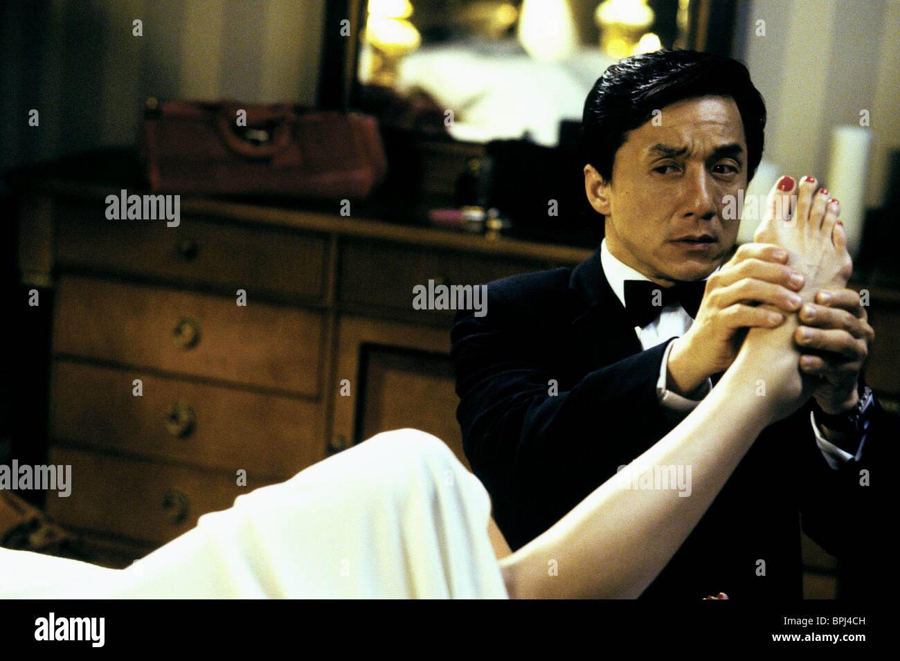 JACKIE CHAN (FOOT MASSAGE) THE TUXEDO (2002) - Stock Image