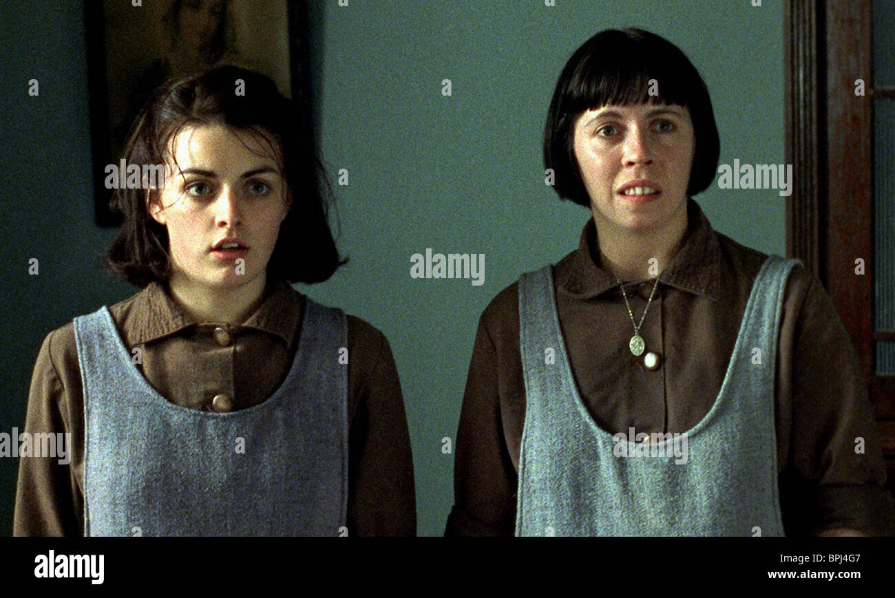 NORA-JANE NOONE & EILEEN WALSH THE MAGDALENE SISTERS (2002) - Stock Image