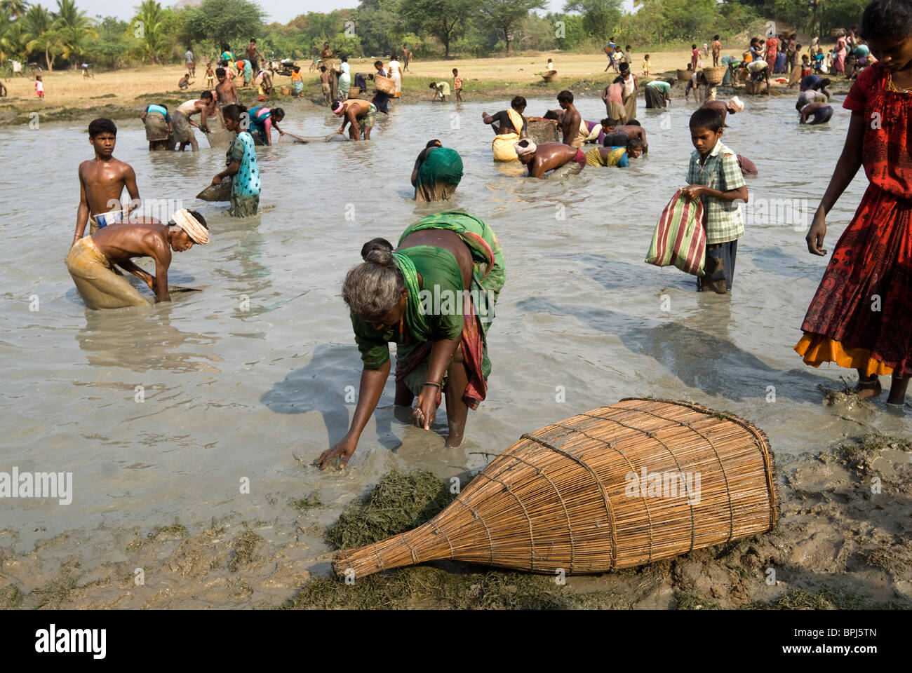 Fishing festival at Venthanpatti near Ponnamaravathy