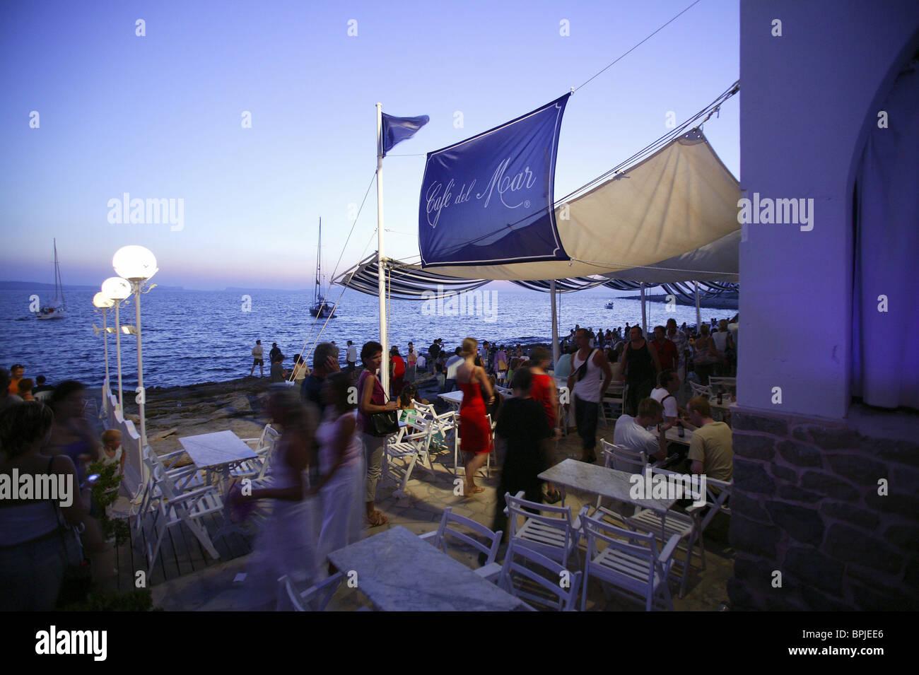Evening mood at Café del Mar Ibiza, Balearic Island, Spain - Stock Image