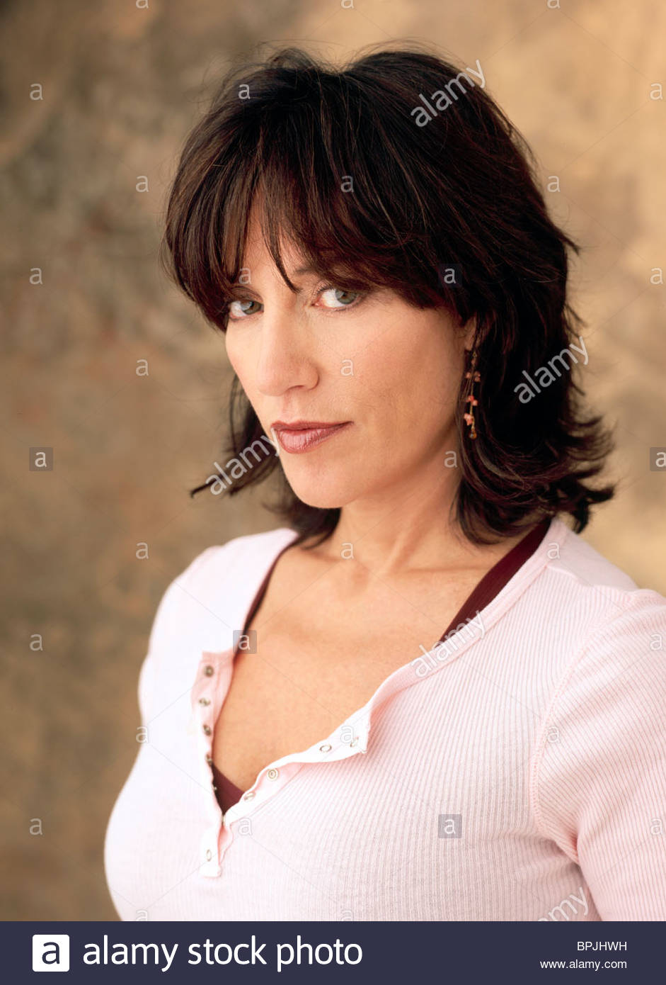 Katey Sagal 8 Simple Rules For Dating My Teenage Daughter 2002