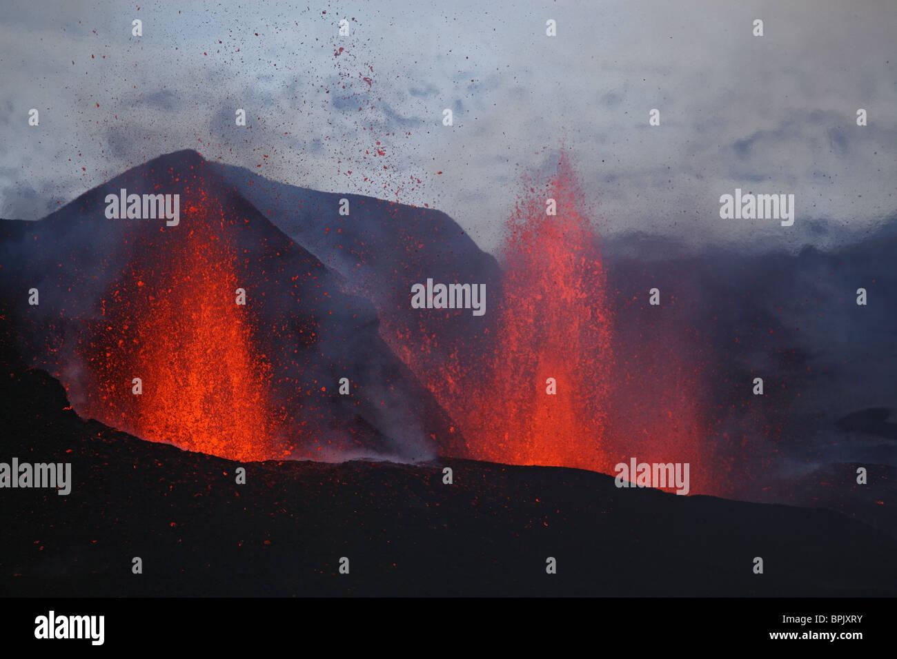 March 25, 2010 - Fimmvörduhals eruption, lava fountains, Eyjafjallajökull, Iceland. - Stock Image