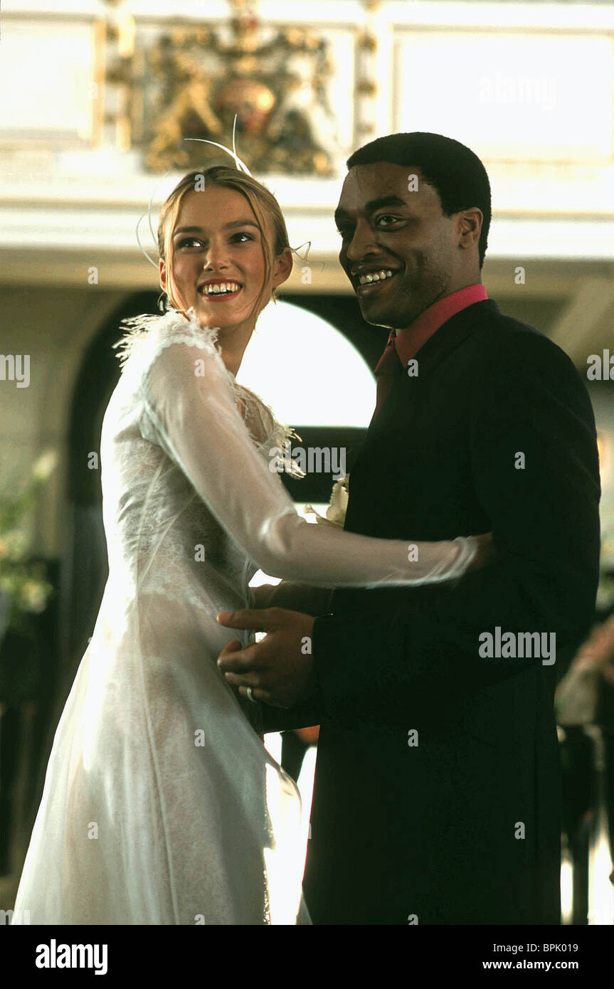 KEIRA KNIGHTLEY & CHIWETEL EJIOFOR LOVE ACTUALLY (2003) - Stock Image