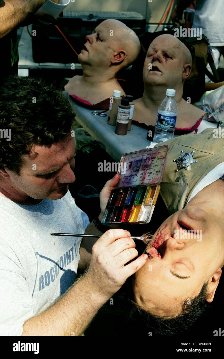 SPECIAL EFFECTS MAKEUP DEPT. WRONG TURN (2003) - Stock Image