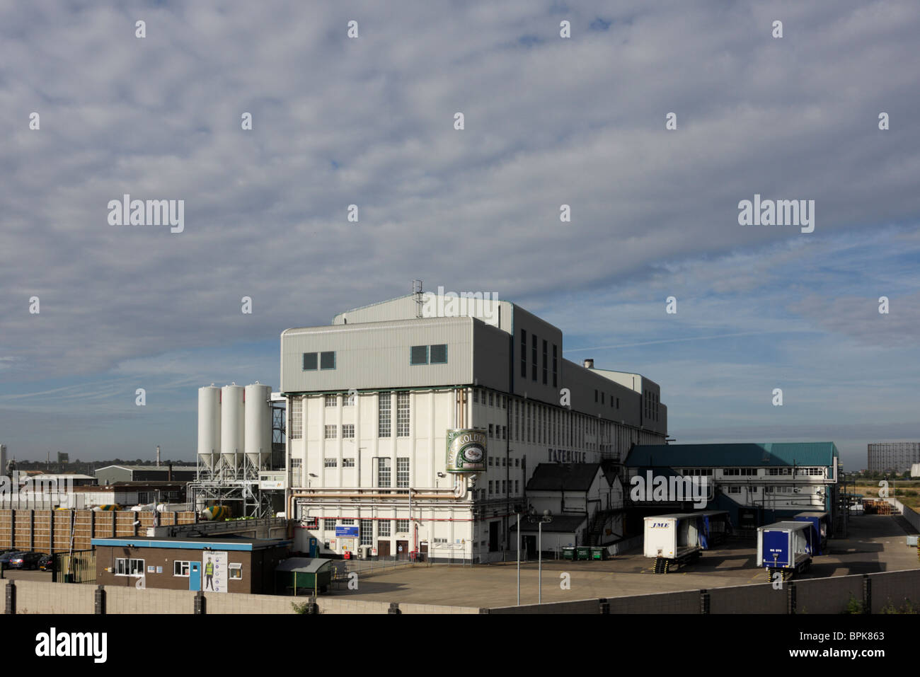 Situated at West Silvertown in east London is Tate and Lyle`s sugar processing plant. - Stock Image