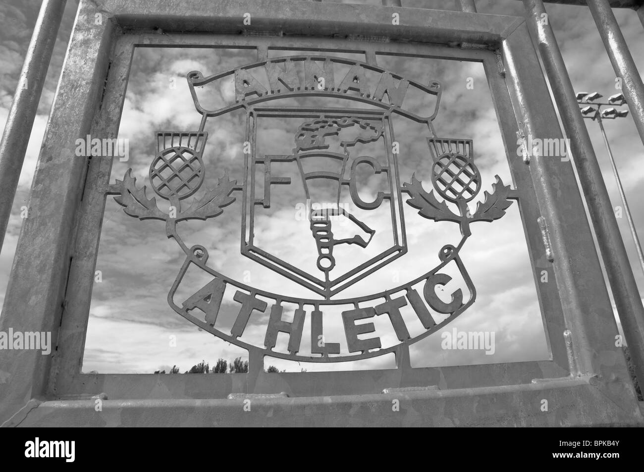 ANNAN ATHLETIC FOOTBALL CLUB METAL PLAQUE BLACK AND WHITE IMAGE - Stock Image