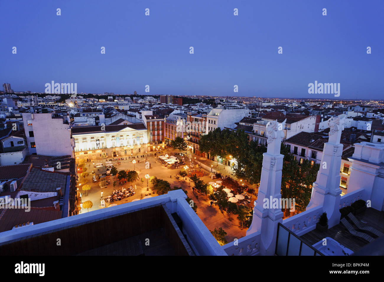 Pavement cafe in Plaza Santa Ana, Teatro Espanol in the background, Calle de Huertas, Madrid, Spain - Stock Image