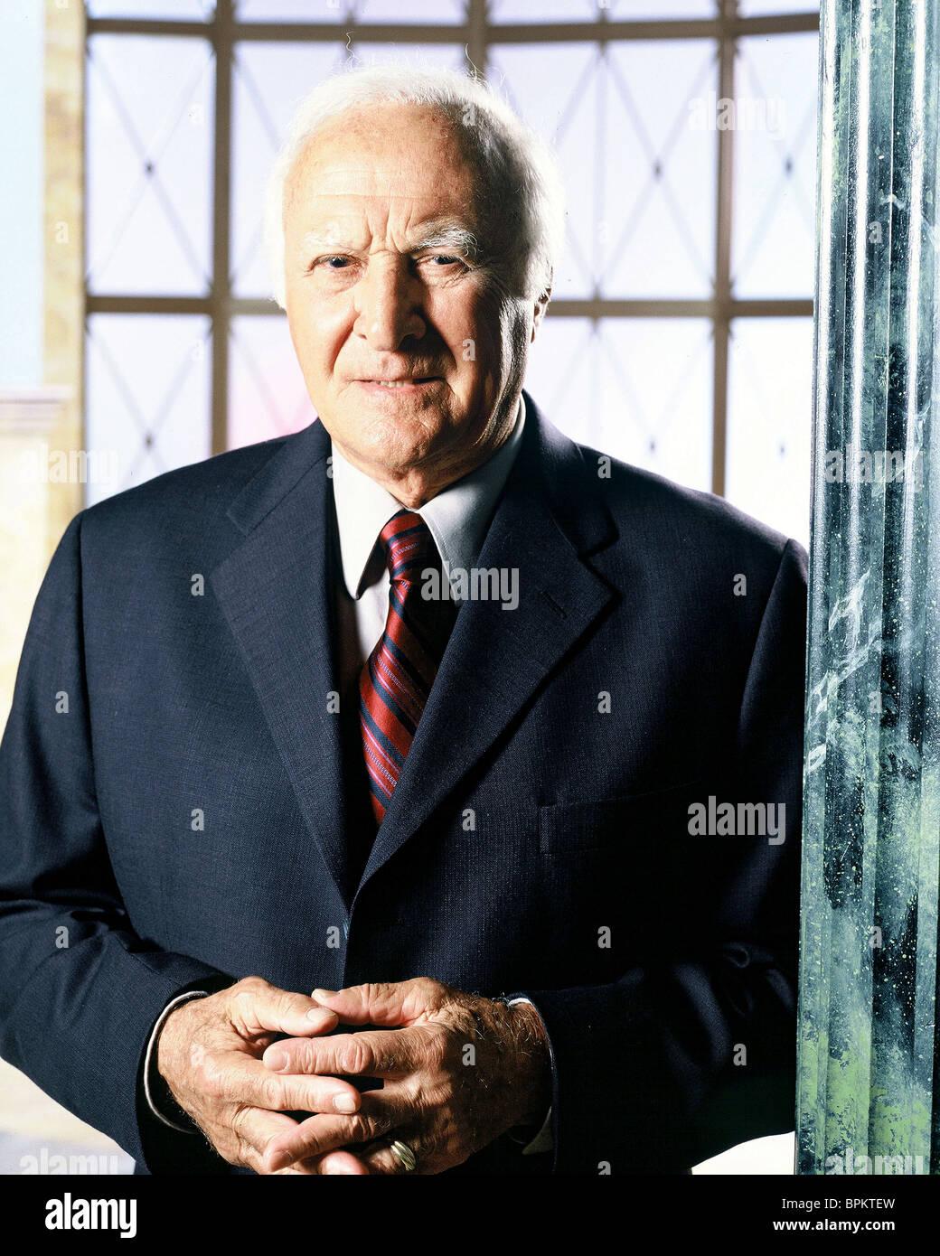 ROBERT LOGGIA QUEENS SUPREME (2003) - Stock Image