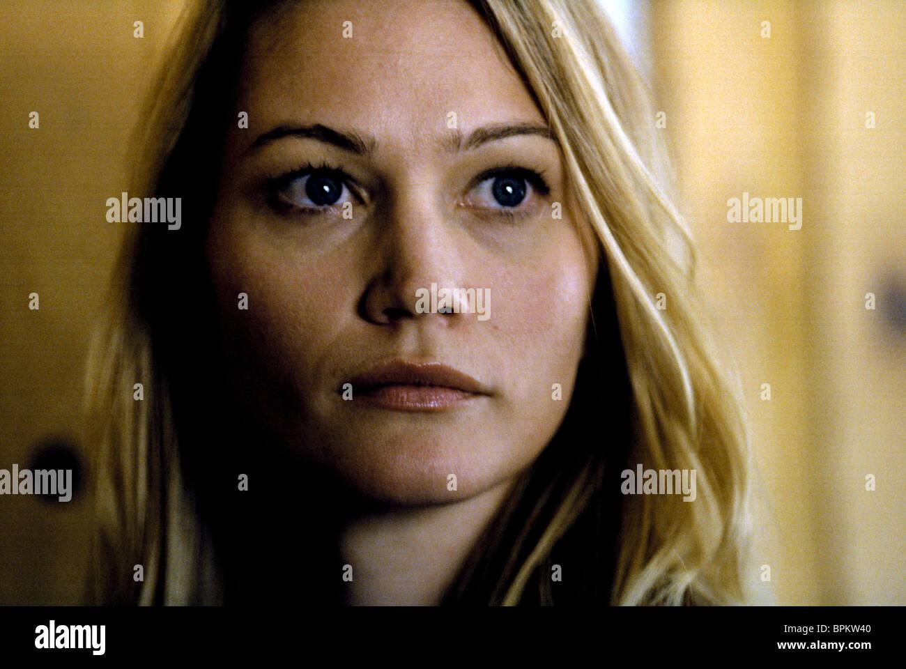 Sarah Wynter Stock Photos & Sarah Wynter Stock Images - Alamy