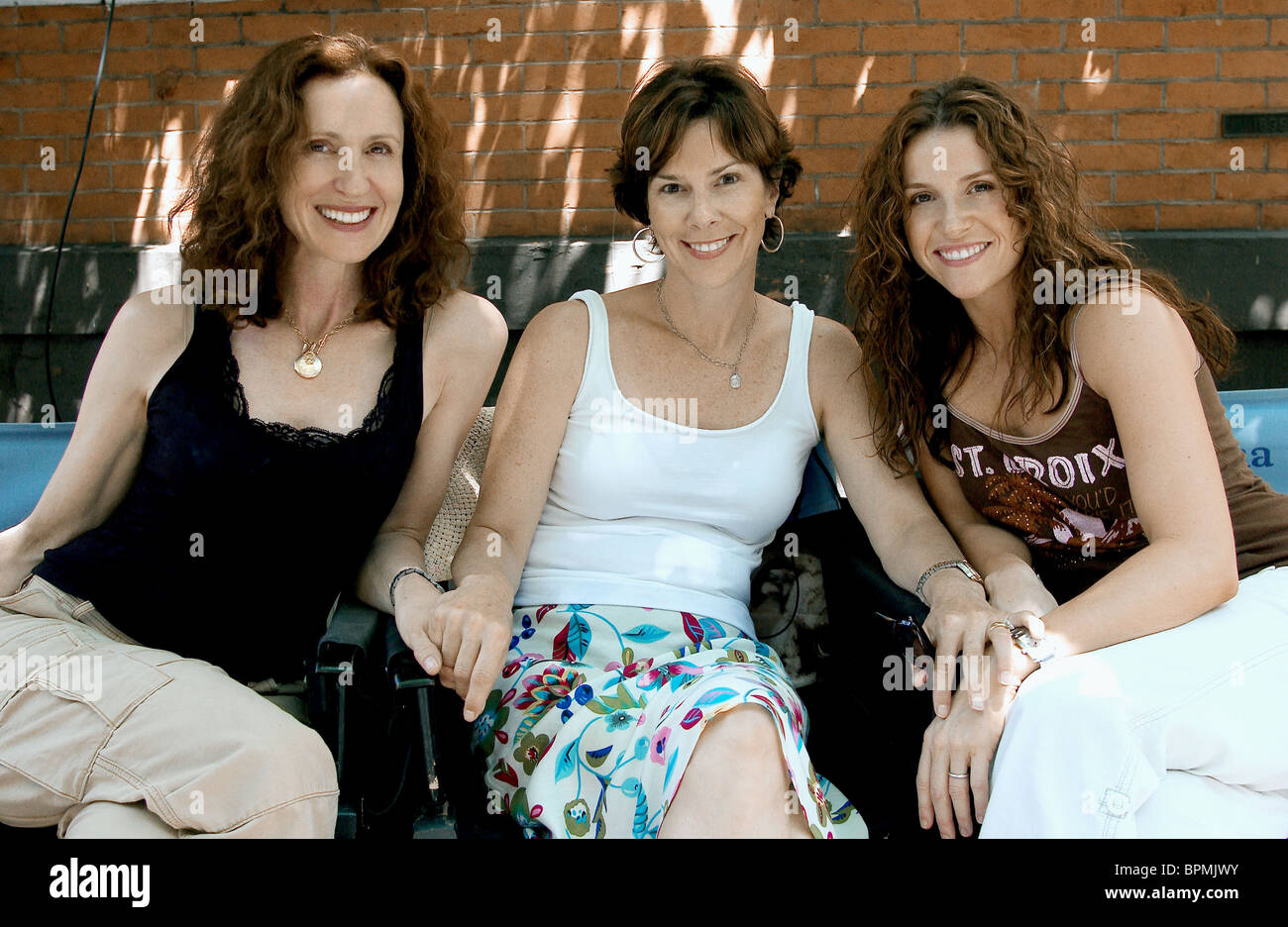 DONNA ARKOFF ROTH SUSAN ARNOLD & GINA MATTHEWS 13 GOING ON 30 (2004) - Stock Image