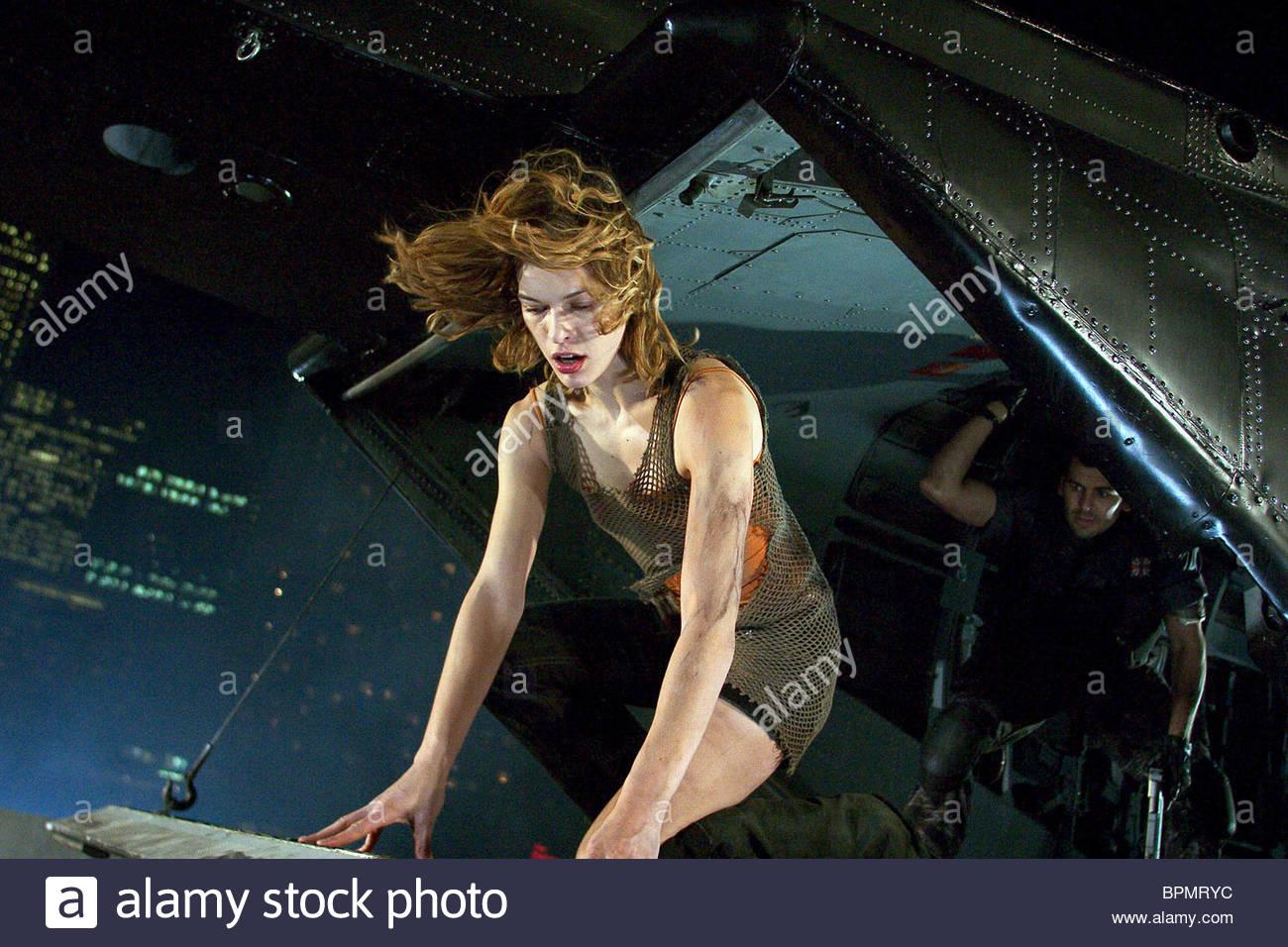 MILLA JOVOVICH & O... Milla Jovovich Resident Evil Apocalypse