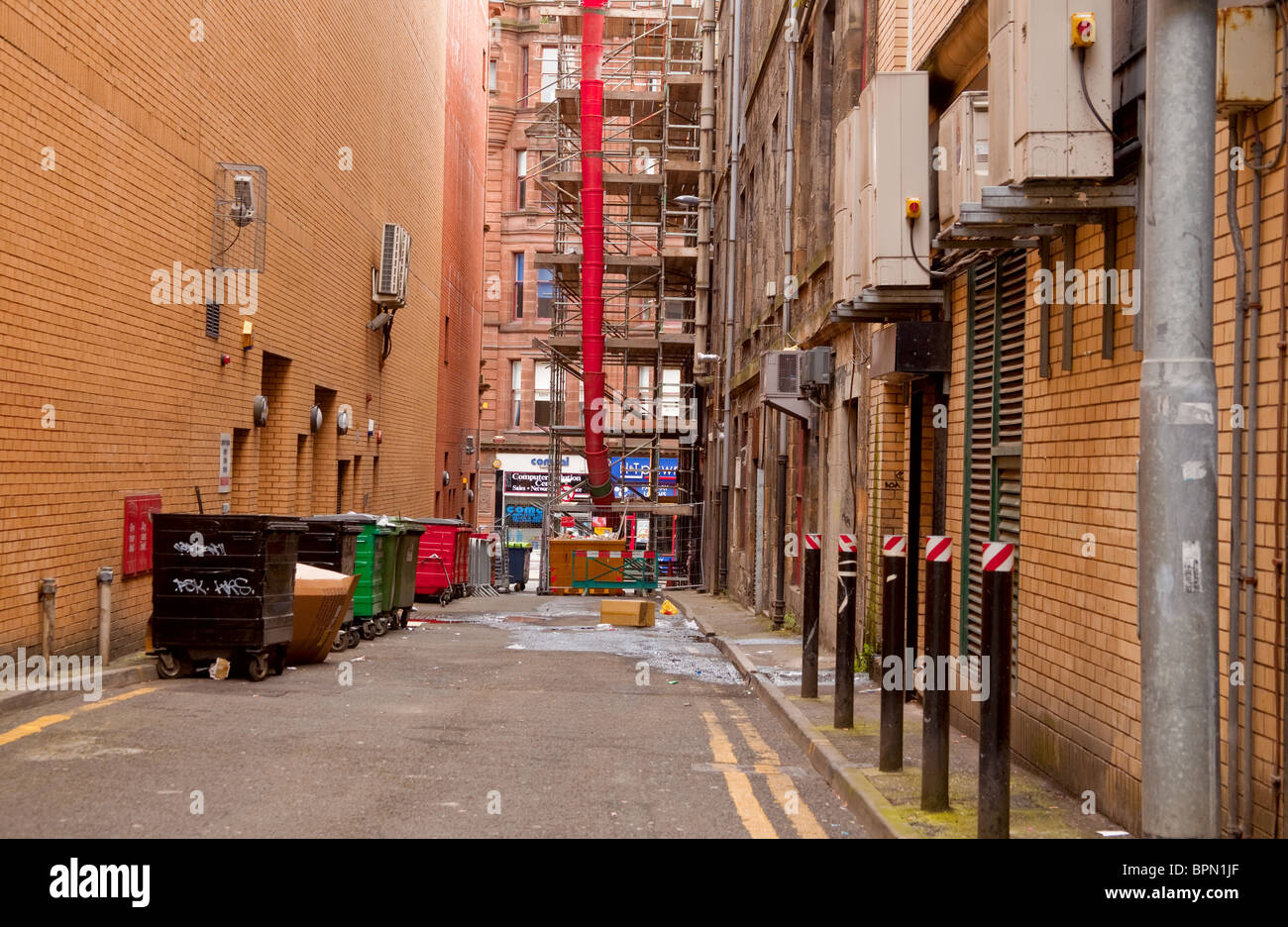 Alleyway in Glasgow city centre, Scotland - Stock Image