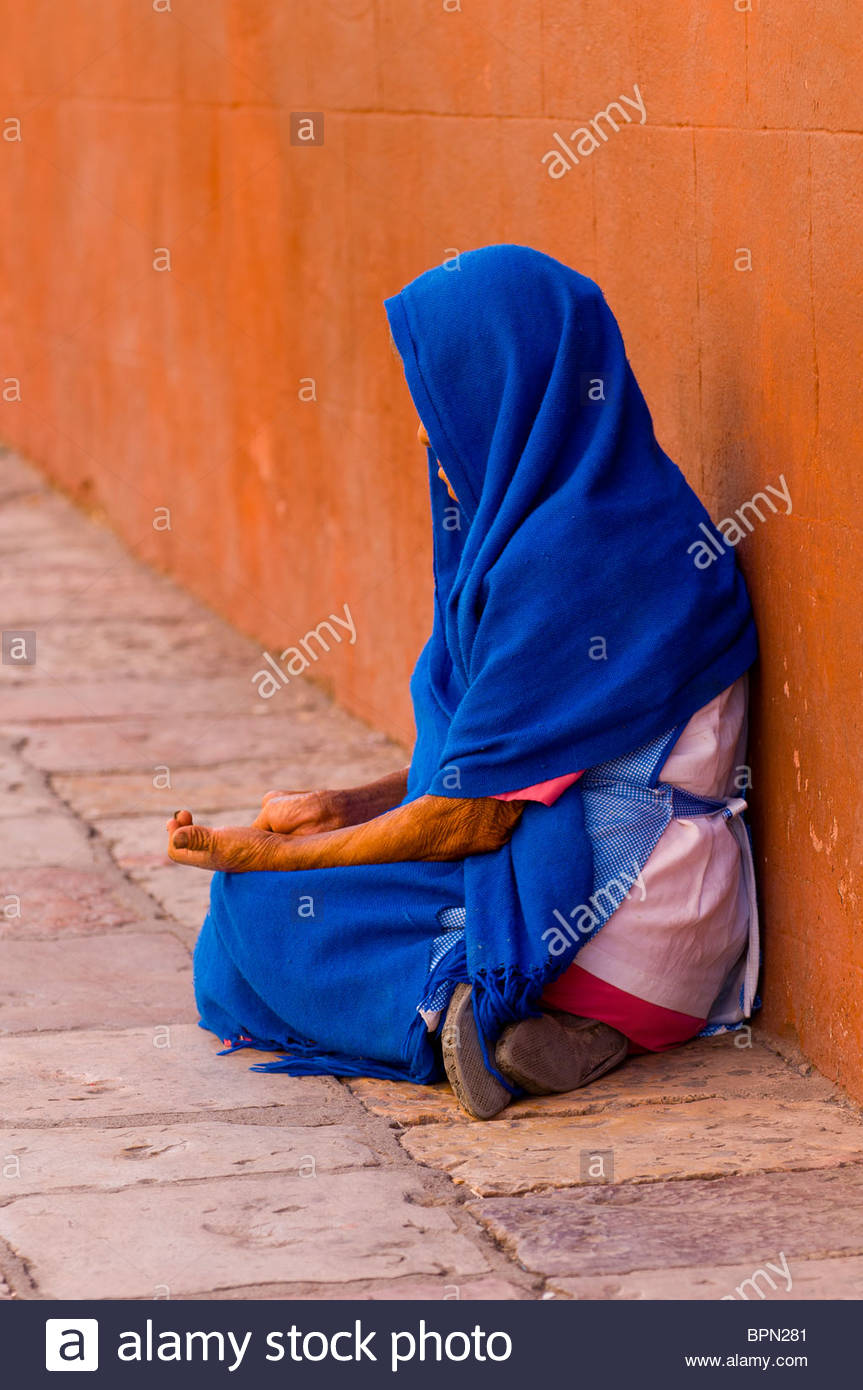 Woman begging, San Miguel de Allende, Guanajuato state, Mexico - Stock Image