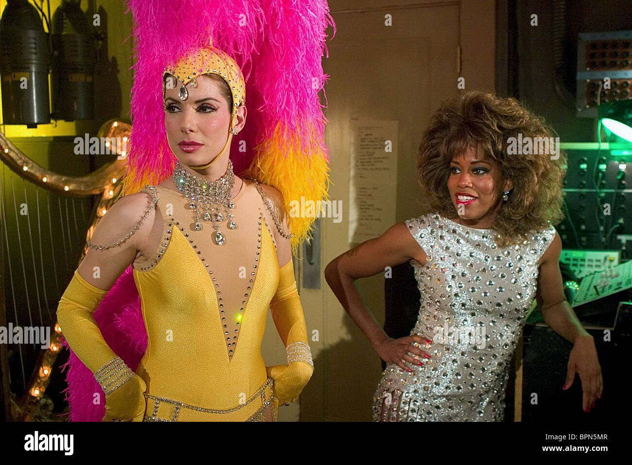SANDRA BULLOCK REGINA KING MISS CONGENIALITY 2 ARMED AND FABULOUS 2005