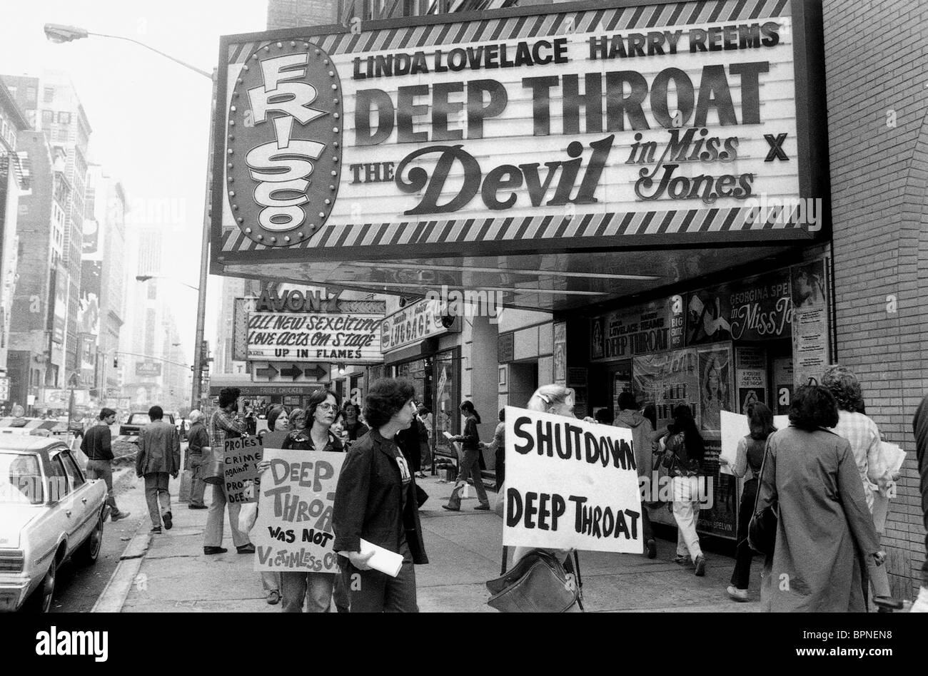 PROTESTING DEMONSTRATORS INSIDE DEEP THROAT (2005) - Stock Image
