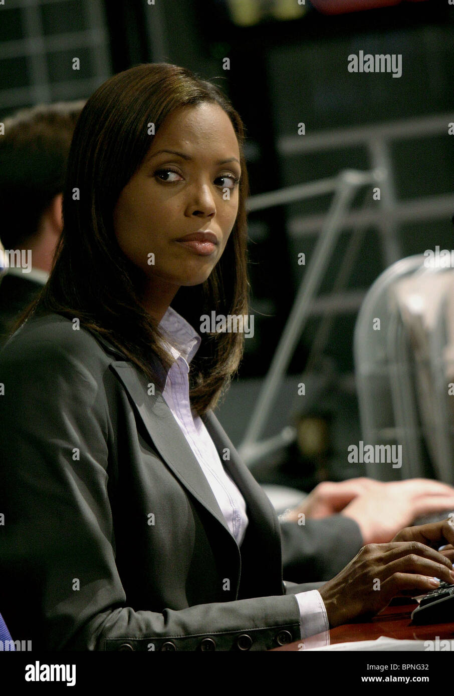 Aisha tyler glamour pictures — pic 14