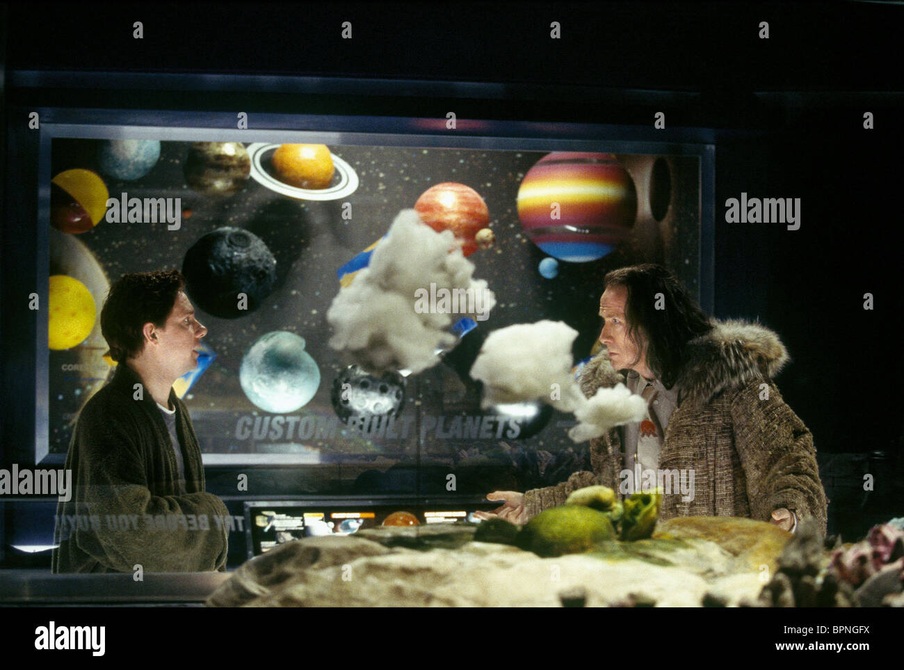 MARTIN FREEMAN & BILL NIGHY THE HITCHHIKER'S GUIDE TO THE GALAXY (2005) Stock Photo