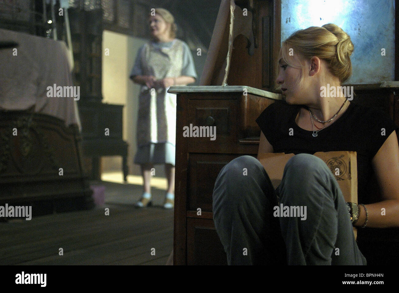 GENA ROWLANDS, KATE HUDSON, THE SKELETON KEY, 2005 Stock ...
