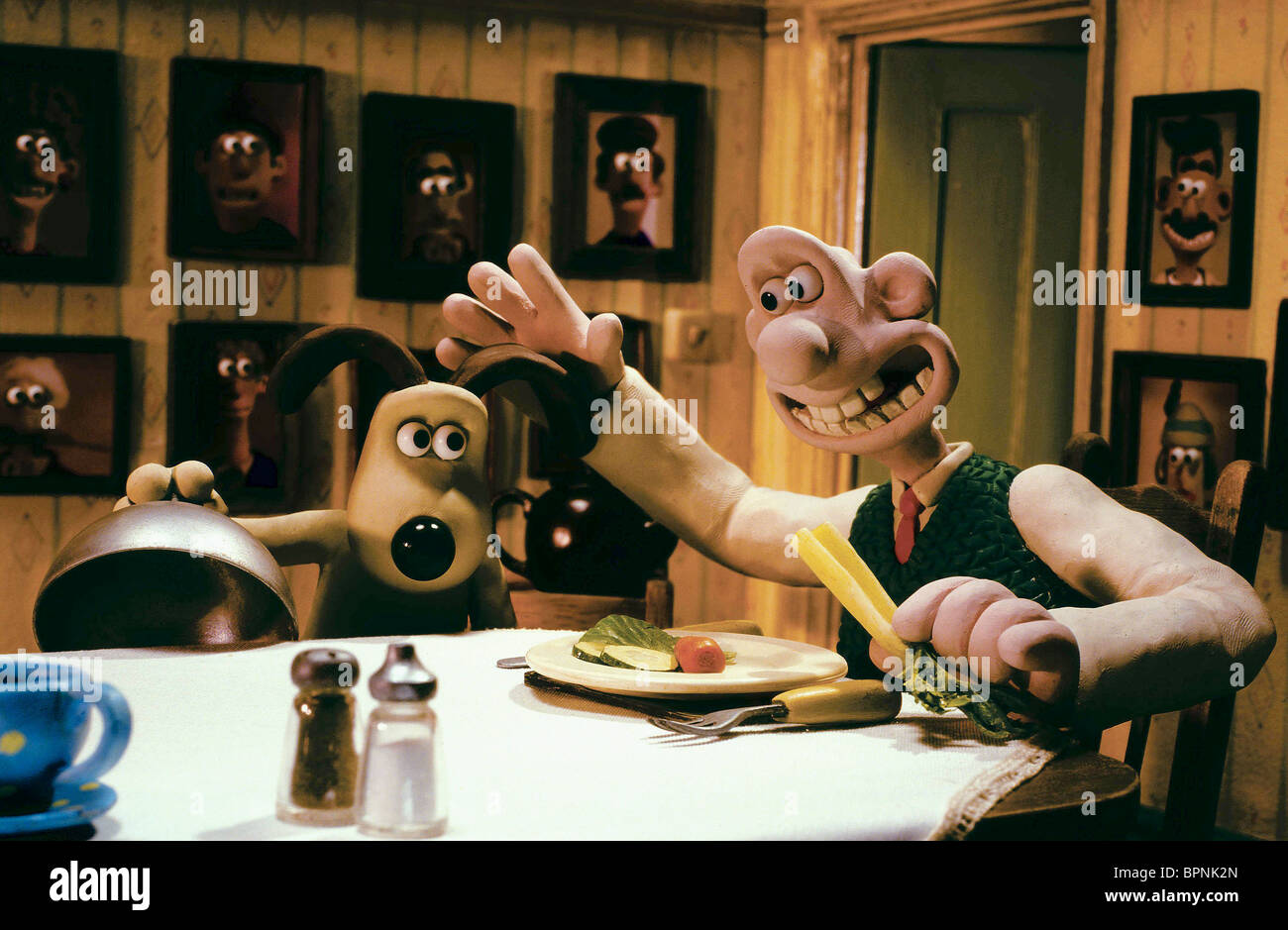 Gromit Wallace The Curse Of The Were Rabbit 2005 Stock Photo Alamy