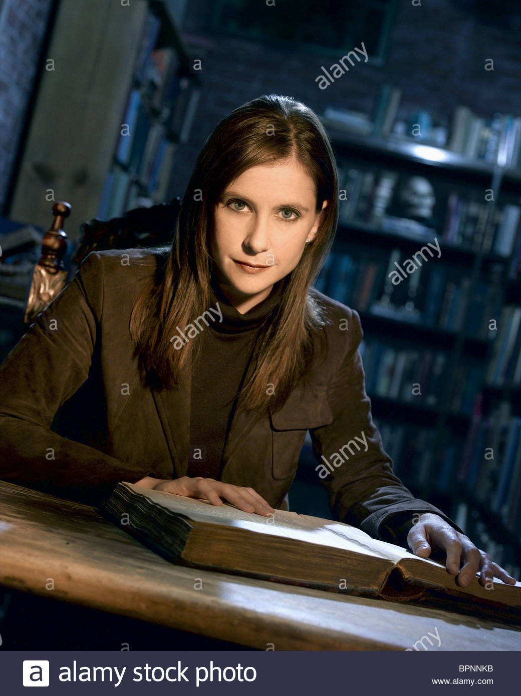 KELLIE MARTIN MYSTERY WOMAN: SING ME A MURDER (2005) - Stock Image