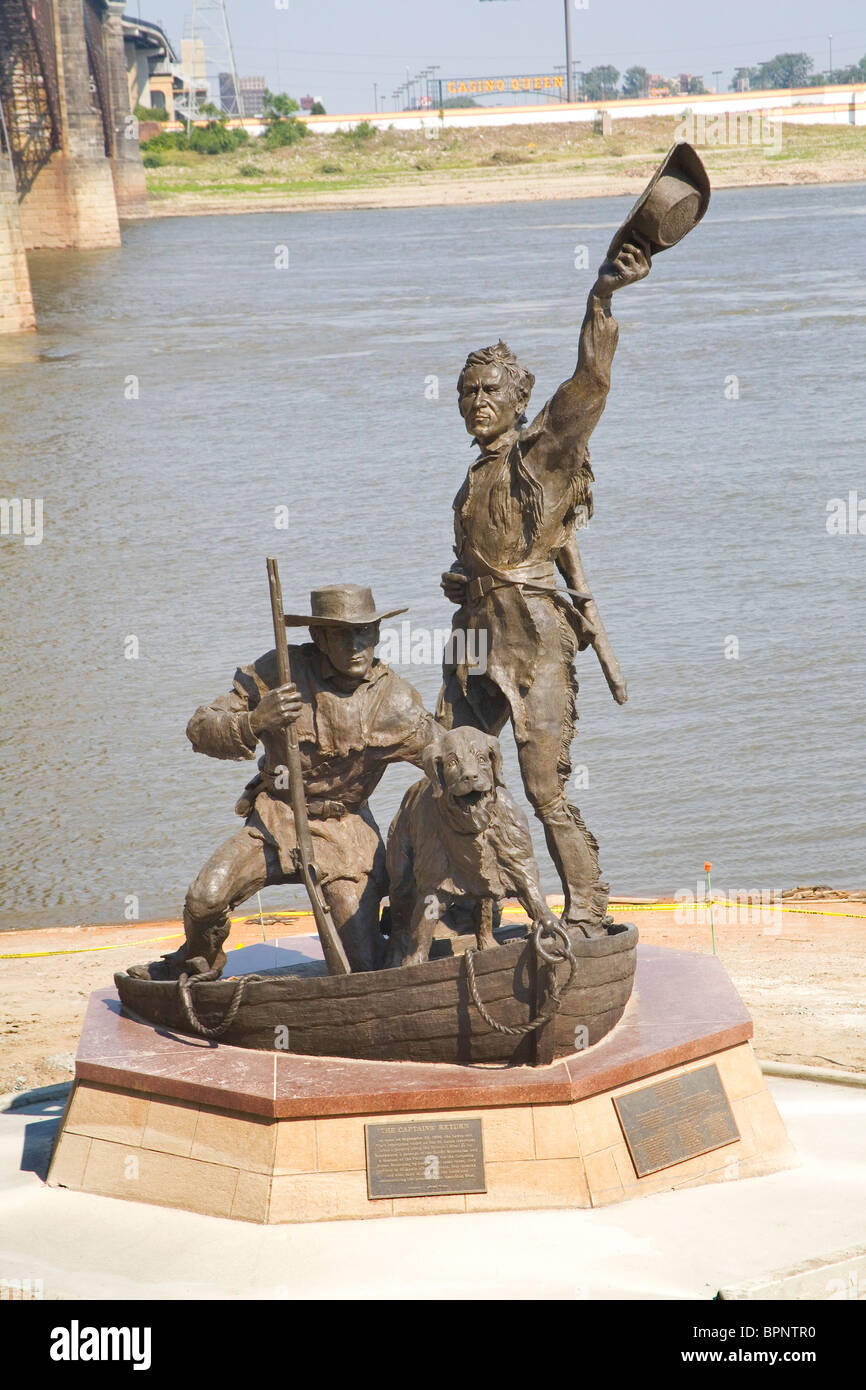 Lewis and Clark statue on Mississippi River - Stock Image