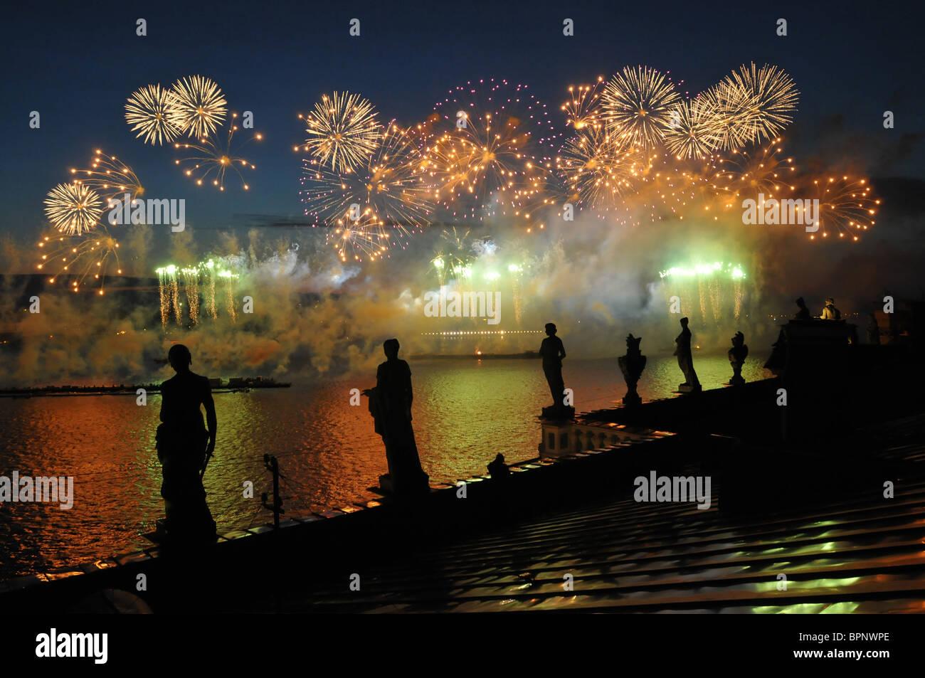 Festivities 'Scarlet Sails' celebrating school graduation in St. Petersburg - Stock Image