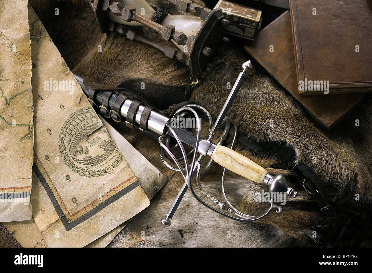 MAP & SWORD PROPS THE NEW WORLD (2005) - Stock Image