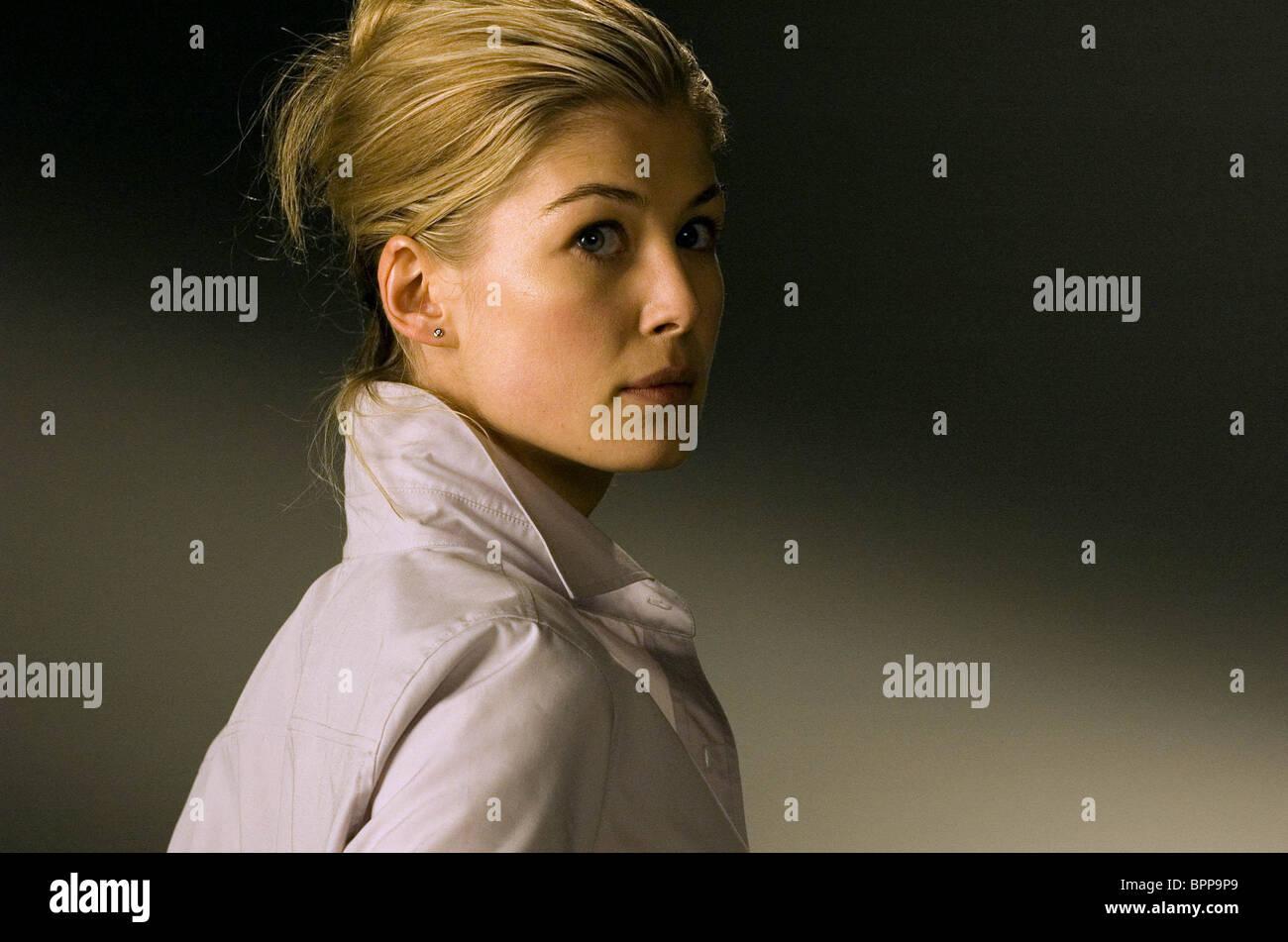 ROSAMUND PIKE DOOM (2005) - Stock Image