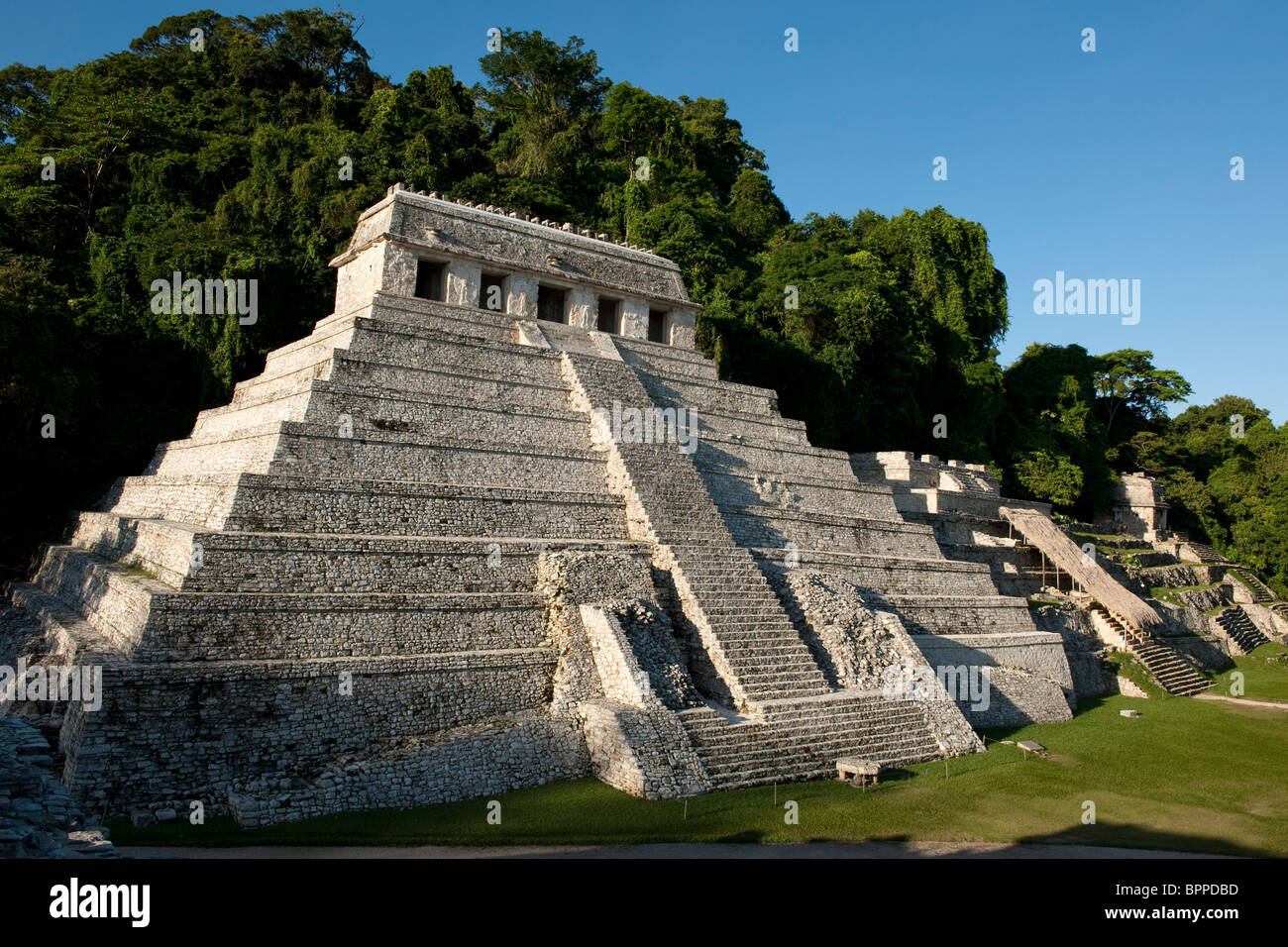 Maya ruins of Palenque, The temple of the inscriptions, Palenque, Mexico - Stock Image
