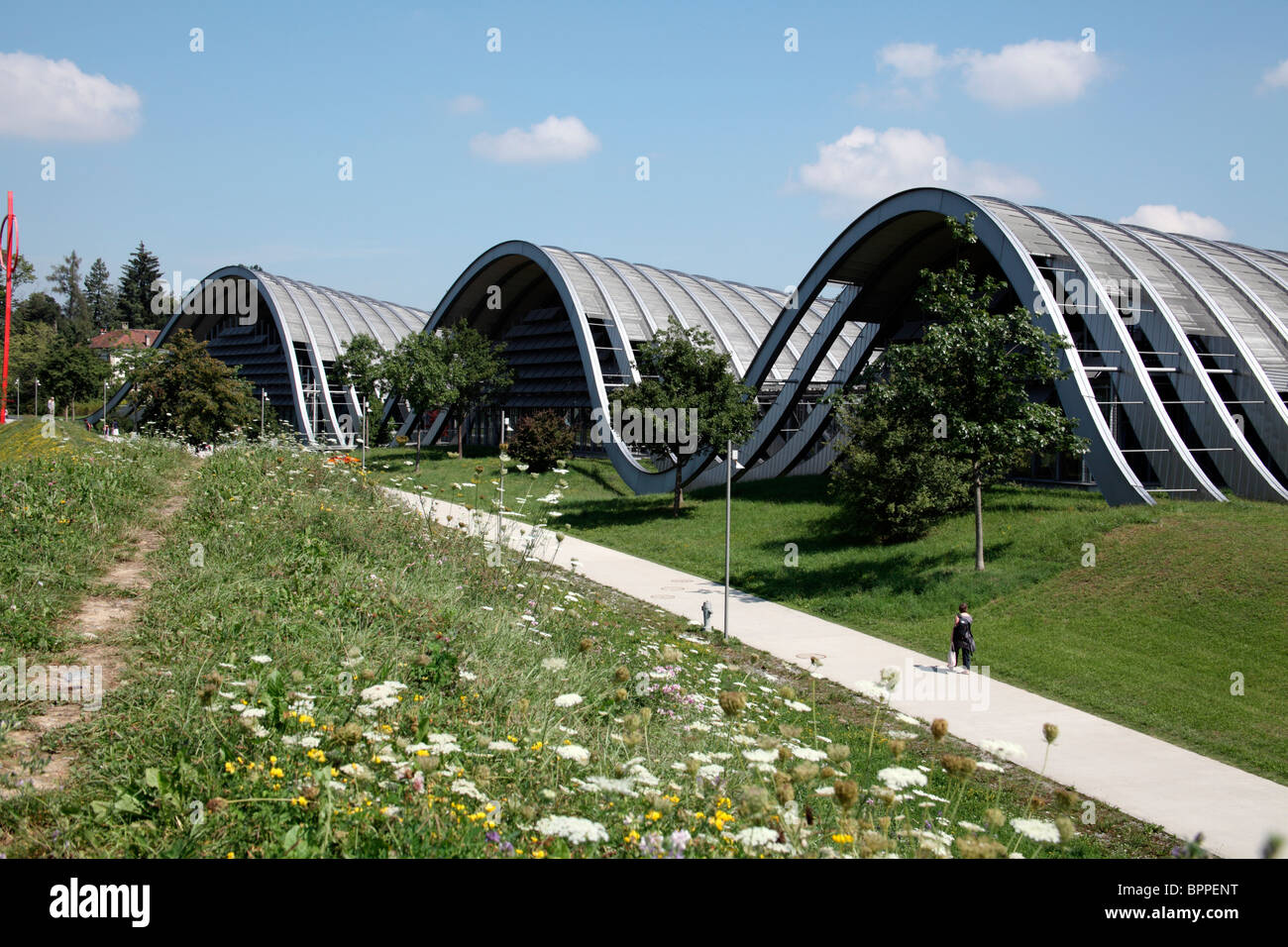 The spectacular sine wave architecture of the Paul Klee Zentrum, Bern, Switzerland - Stock Image