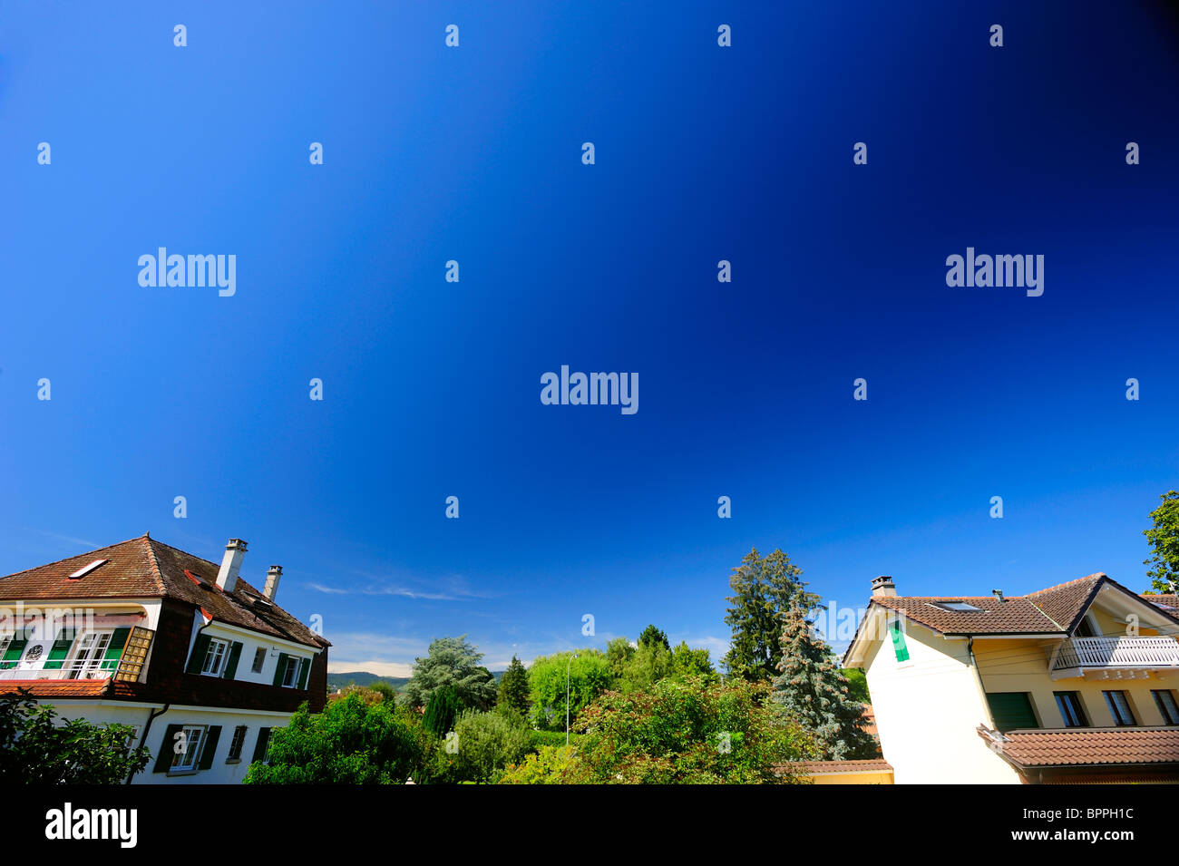 Photographic error - the danger of using a polarising filter with a wide-angle lens. It causes a dark band across - Stock Image