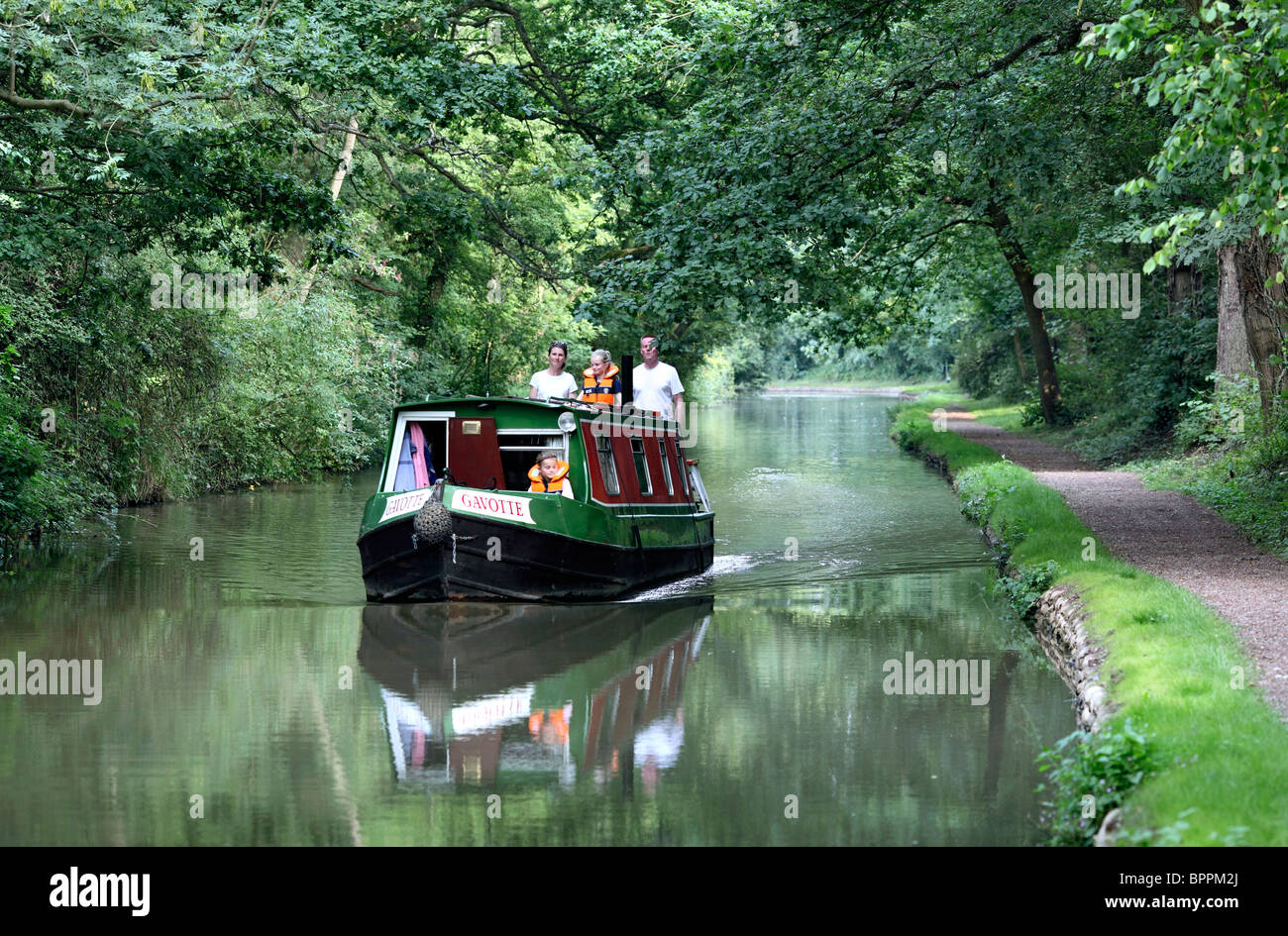 A narrowboat on the Oxford Canal near Brinklow, Warwickshire. - Stock Image