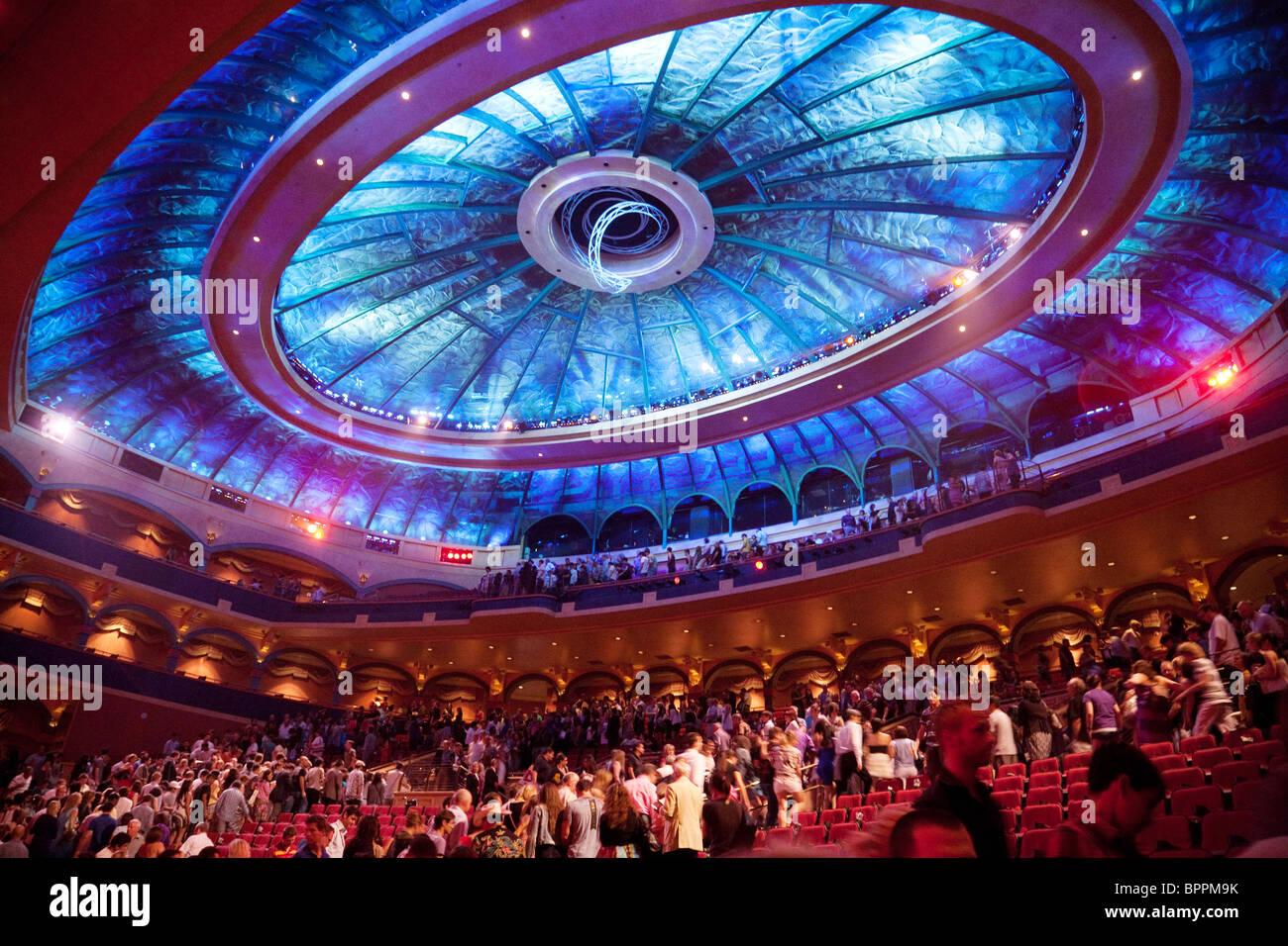Bellagio O Show >> The Theatre In The Bellagio Hotel Las Vegas Where The Cirque Du