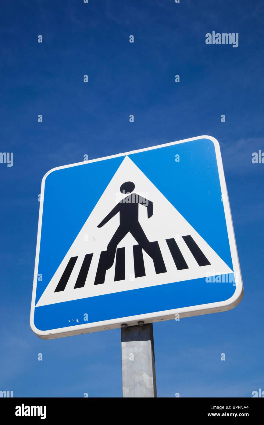 Pedestrian crossing road traffic sign - Stock Image