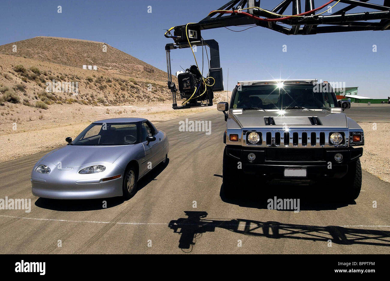 ELECTRIC CAR & HUMMER WHO KILLED THE ELECTRIC CAR? (2006) - Stock Image