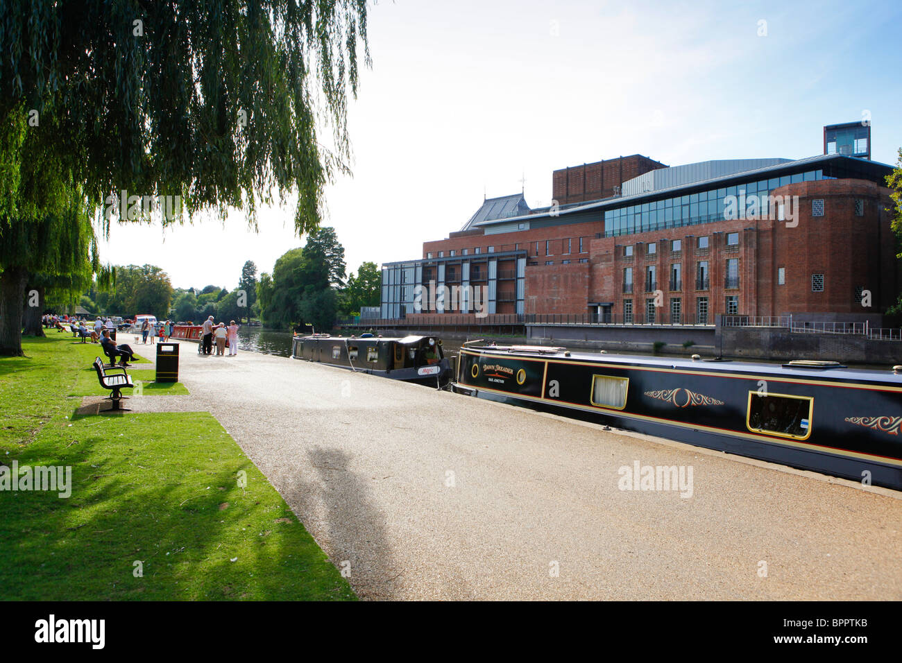 Stratford-upon-Avon. River scene. Royal Shakespeare Theatre - Stock Image
